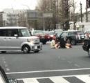 交差点のド真ん中にコタツ置いて座り込んだ京大院生のバカどもに罰金刑