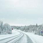 ハンガリー人「お前らの国は0.5cmの積雪に対処できるか?」