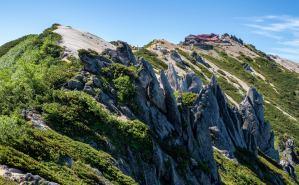 北アルプス・燕岳の眺望を堪能