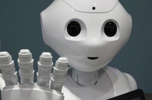 【悲報】ペッパーくん、やっぱりクソアホロボットだったのサムネイル画像