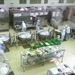 給食で800人食中毒で処分受けた給食センター「営業停止は不当」