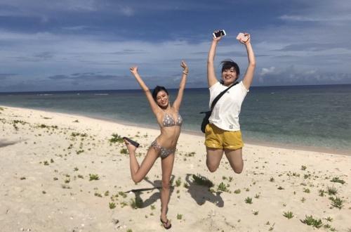 小島瑠璃子さん、何故かTwitterで水着姿を披露するのサムネイル画像