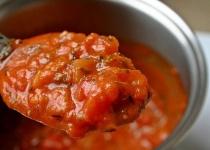 夫「トマトソース50食分作るぞ」 妻「もうやめて」