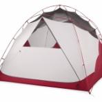 テントの中のネコ