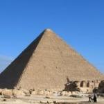 ナスカの地上絵や、ピラミッドや、モアイ像って宇宙人が作ったものだと思う