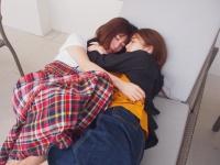 【日向坂46】こんなとこで二人寝てたら可愛すぎだろwwwwwwwww
