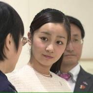 佳子さま、熱狂的な皇室ファンの声援におもわず噴き出すwwwwww[画像・動画あり] アイドルファンマスター