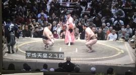 NHK藤井康生アナ、相撲中継で「平成天皇」連呼…13分後「上皇さまの誤りです。お詫びして訂正致します」※上皇陛下です