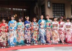 【画像】元AKB48川栄李奈らエイベックス美女10人、華やか晴れ着姿で集結!