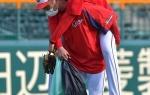 カープ大瀬良にアクシデント… 練習中永川コーチに背負われロッカーへ 明日の先発も回避 遠藤が予告先発