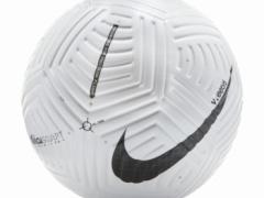 最新のサッカーボール、進化しすぎてすごい!