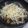 フライパンdeそのまま食卓へ「牛ステーキ焼きそば」&「東京へ」