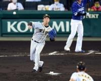 【阪神】青柳 初回2失点も自身2度目のけん制刺
