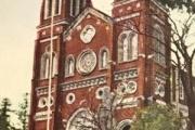 彡(^)(^)「1945年8月9日やけど長崎の教会に来たンゴ」