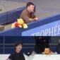 【フィギュアスケート】コーチと羽生結弦くんを見守るプーさん画...