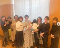 佐々木希と一般人女性が並んだ画像をご覧ください