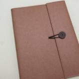 『オトナのノートカバーが新登場 キングジム「+Kraft (クラフト)  ノートカバー」』の画像