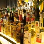 お酒の自販機が「絶滅の危機」、20年前の1%強に…ww