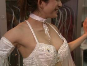 BSプレミアムで上原多香子が半裸で踊ってるwwwwwwwwwwww