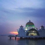 『マラッカ海峡モスク』の画像