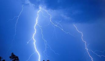 人体に雷が落ちると、こんな感じになるらしいwwwwwww
