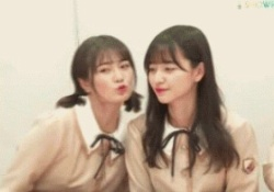 【衝撃のgif】金川紗耶&清宮レイの寸止めキッス・・・!!!