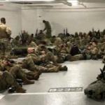【米国】バイデン大統領、就任式後に兵士たちを議事堂から暖房なしの駐車場へ追い出す