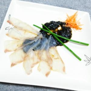 鯛の薄造り 海苔佃煮ソースで