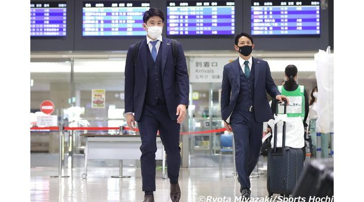 【画像】巨人・菅野&小林、空港でツーショットwww