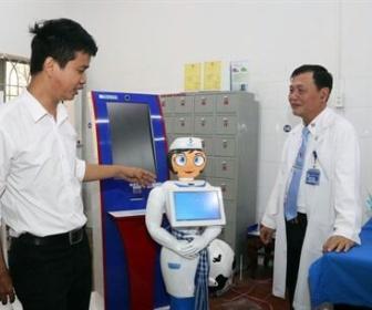 【献身】たったの47万円で完成した最新型美少女ロボット看護師が患者をケア:ホーチミン