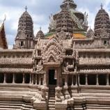 『【バンコク観光】 アンコールワットのミニ模型がある!ワット・プラケオ(エメラルド寺院)』の画像