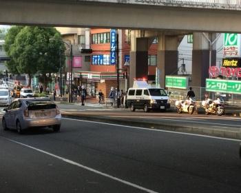 【速報】東京多摩市の落合で9歳女児が60代の運転する自動車にはねられ意識不明の重体(現場画像あり)