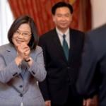 【台湾】蔡英文総統2期目就任式、ソーシャルディスタンスを守って各国代表と対面 [海外]
