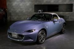 マツダ「ロードスター」一部改良 シルバーのソフトトップが目を引く特別仕様車も