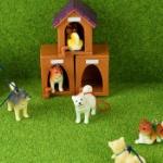 あのよくある定番の「柴犬と犬小屋」がミニチュアフィギュアになってガチャに登場!