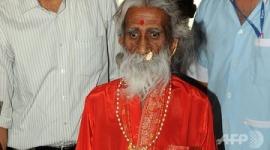 【インド】「80年も飲まず食わず」ヨガ行者が死去、90歳か