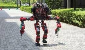 【日本の技術】  東京大学のOB達が作った ロボットが アメリカ防総省主催の ロボットコンテストで優勝。   海外の反応