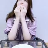 『【乃木坂46】『ん〜!ん〜〜〜!!!』松村沙友理、口いっぱいでパニックwwwwww【動画あり】』の画像