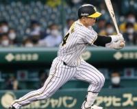 代打の切り札 阪神原口「出た場所で結果を出す」勝負強さ見せる安打
