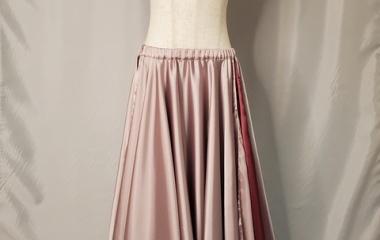 『新作アップ! 150cm台でも嬉しいリバーシブルサテンスカート』の画像