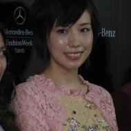 仲里依紗 ファッションショーでひざ上15センチのミニワンピース姿を披露!! (画像あり) アイドルファンマスター