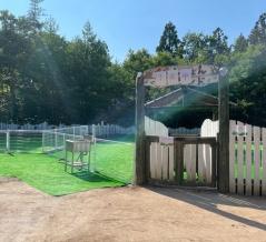 『月岡わくわくファーム』内に『わくわくドッグガーデン』なる中小型犬専用ドッグランがオープンするらしい。元『ぴょんぴょんランド』だったところ。