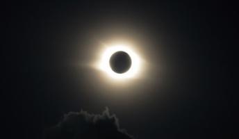 もし太陽が1秒消えるとどうなるの?