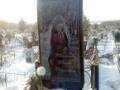 ロシアの超絶美女の墓石がiPhone形状で話題に! その理由とは? (画像あり)