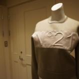 『N°21(ヌメロ ヴェントゥーノ)ロゴ入りスウェット』の画像