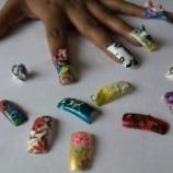 『タンザニア国会で付け爪、短いドレス禁止。避妊も禁止。』の画像