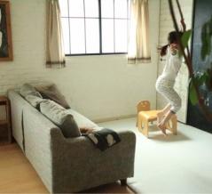 ソファーやラグが動かなくなる!プチストレスがなくなる画期的な商品と100均代用品