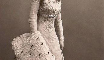 【画像】これが100年前の魅力的な女性達らしい!今でもイケてるレベルでワロタ むしろ昔のがいい