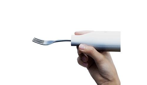 海外「なんだこれ」日清食品が開発した、ヌードルをすする音を消す「音彦」に世界が困惑