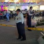 大阪梅田のHEPで飛び降りか 路上で男女2人が倒れ意識不明。商業施設から転落した男性が女性に直撃したとの目撃情報